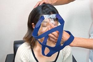 NPPVマスク 鼻クッション位置の調整