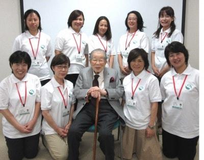 日野原重明名誉会長と受講生
