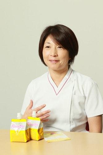 島田雅子さん福寿会 福岡クリニック(在宅療養支援診療所) 看護師長代理のインタビュー中の写真
