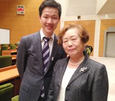 全国訪問看護事業協会の常務理事の上野桂子さんと川添氏のツーショット