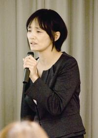 講師の山田みつぎ先生の写真
