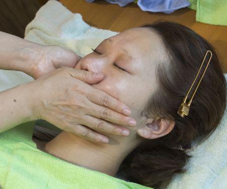 乳液による整肌の手順②