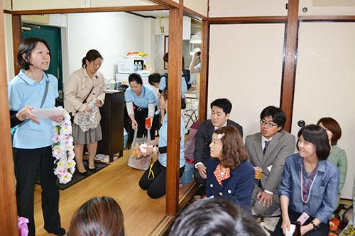 スピーチをする石川徳子さん