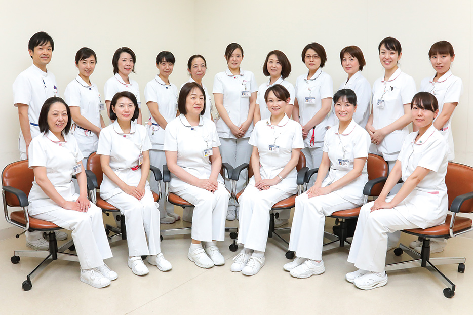 向上委員会のメンバーの写真